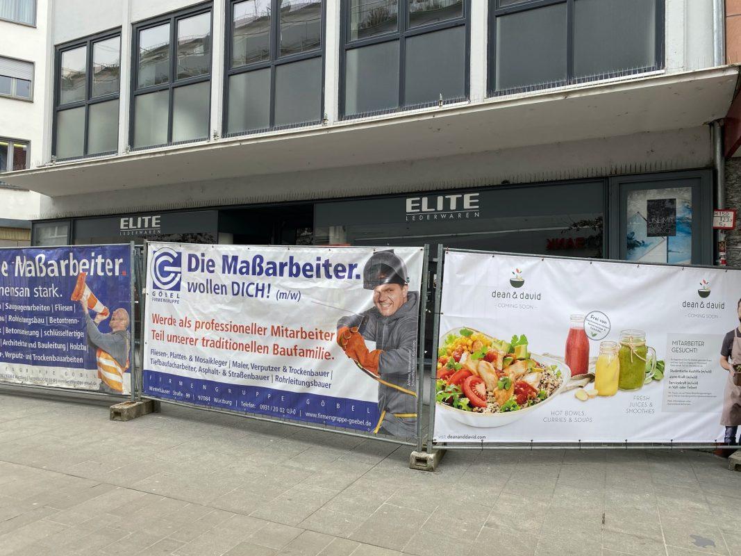 """""""Elite Lederwaren"""" geht - """"dean & david"""" kommt. Foto: Jessica Hänse"""