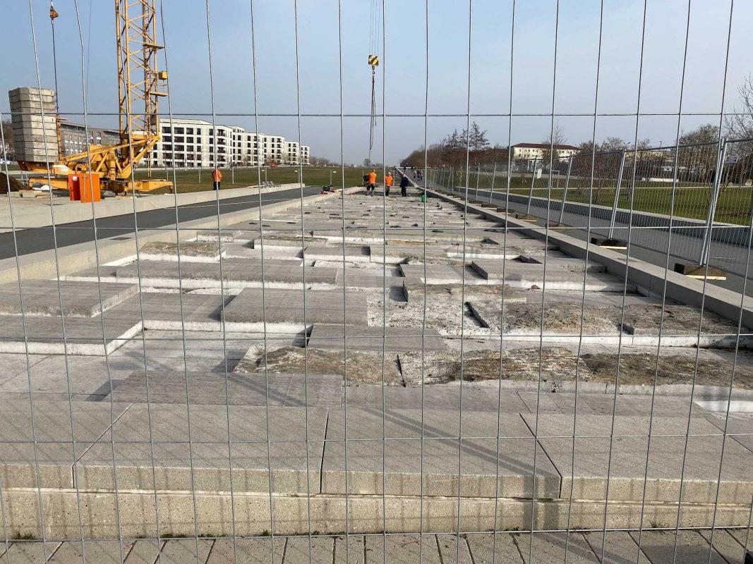 Das Wasserbecken auf dem LGS Gelände am Hubland wird nun saniert. Foto: Jessica Hänse
