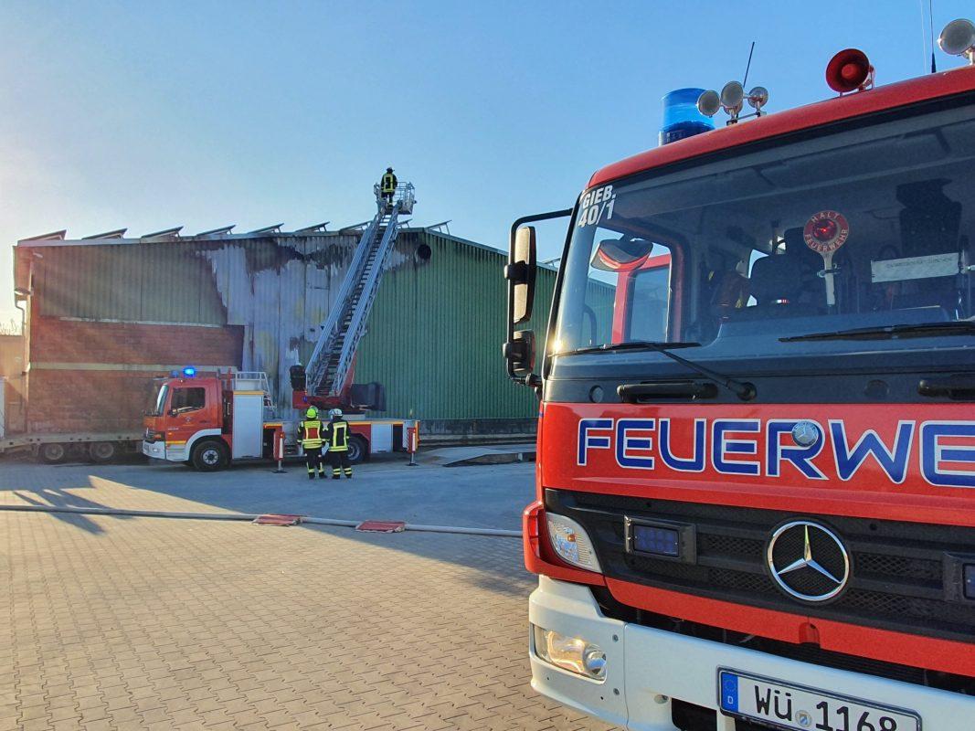 Rund 100 Einsatzkräfte waren bei einem Brand in Gaubüttelbrunn im Einsatz. Foto: Björn Jungbauer, Gemeinde Kirchheim