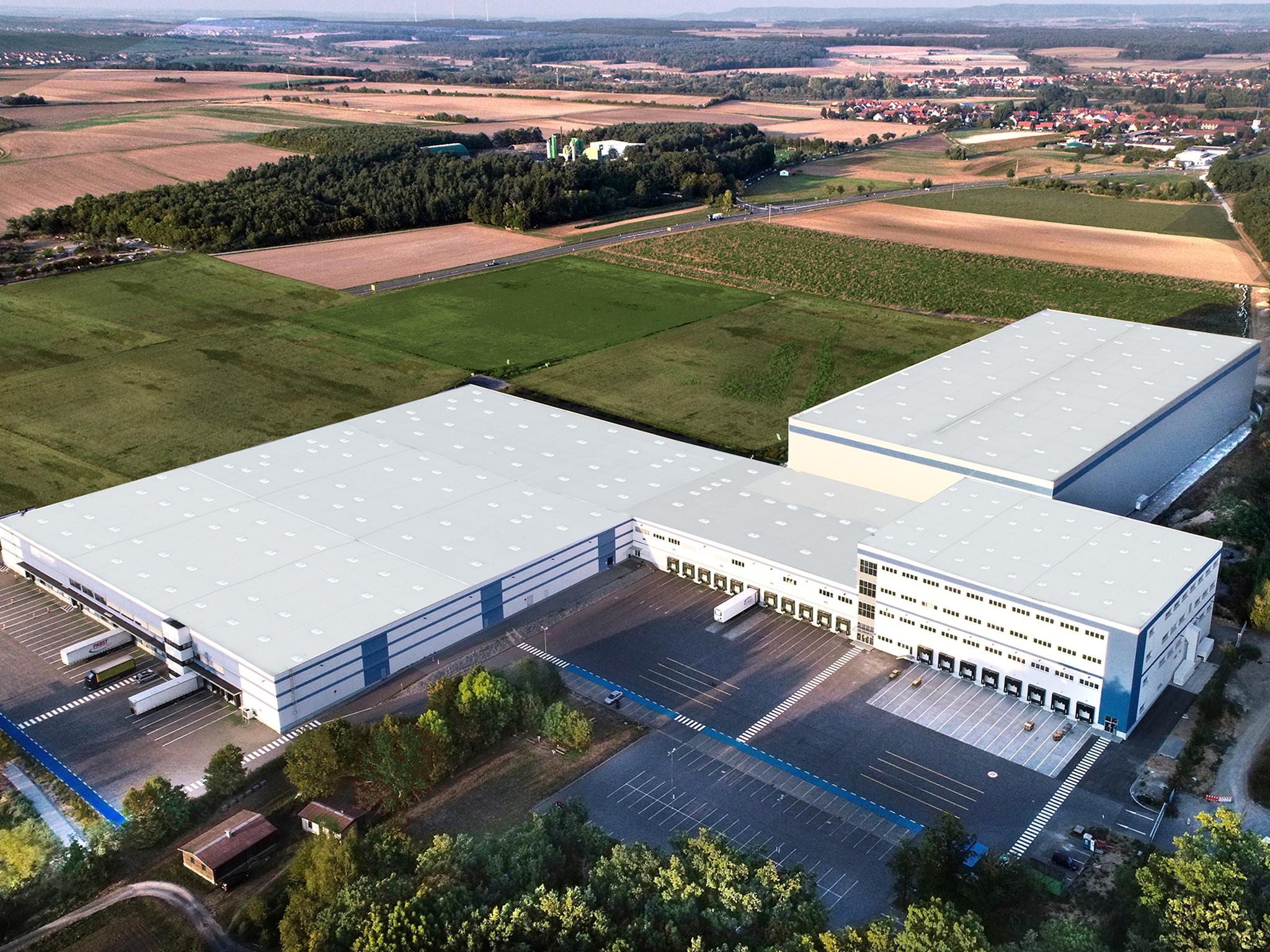 Eins der drei Standbeine ist die Logistik mit 50.000 Quadratmetern Lagerfläche in Dettelbach. Foto: J.E. Schum GmbH & Co. KG