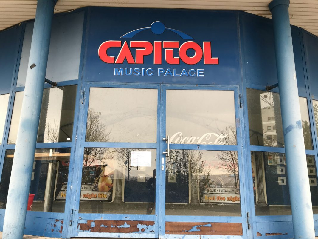 Die frühere Discothek Capitol Music Palace im Mainfrankenpark Dettelbach. Foto: Frank Weichhan