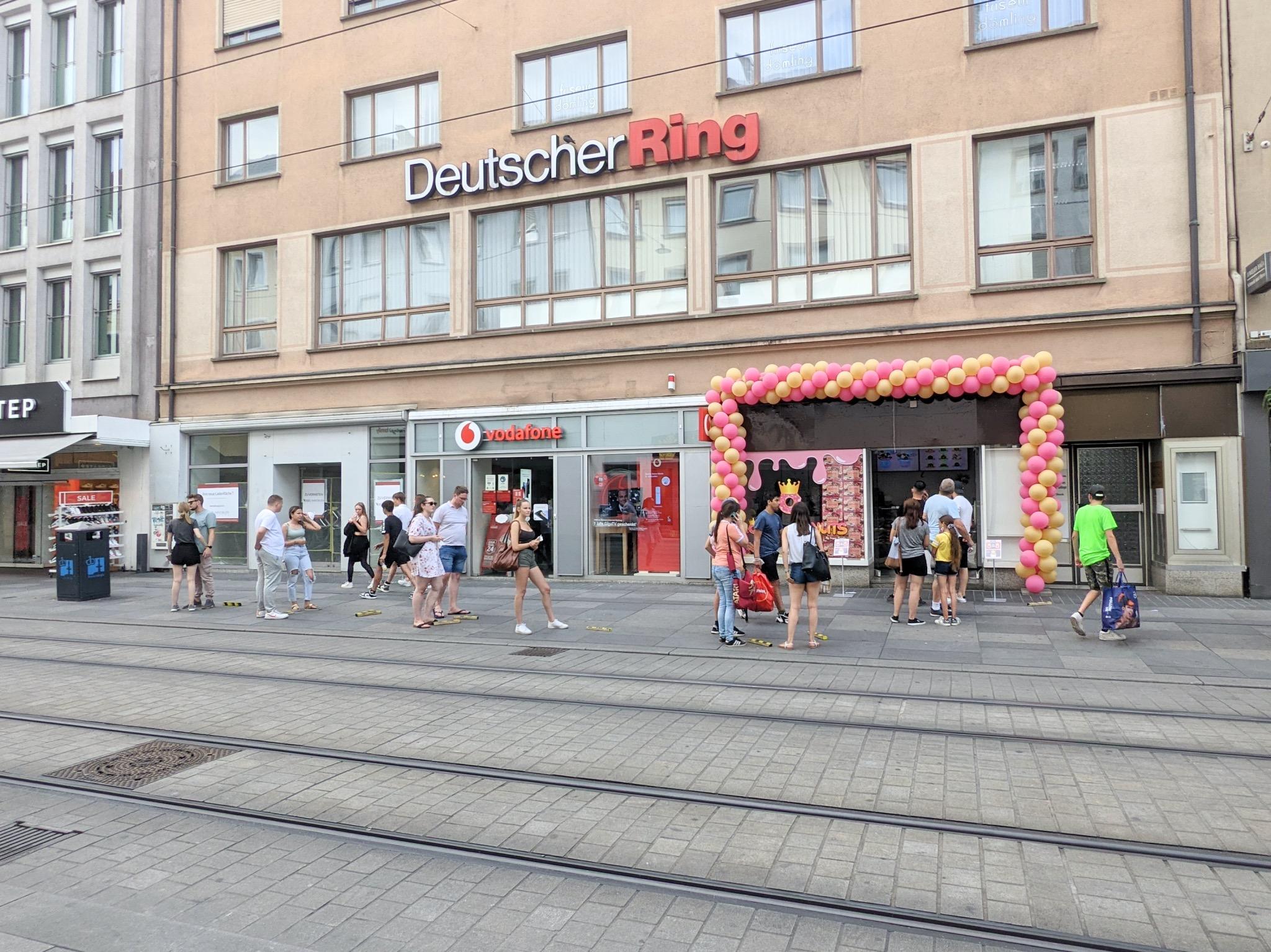 Eröffnung der Würzburger Filiale von Royal Donuts. Foto: Christian J. Papay