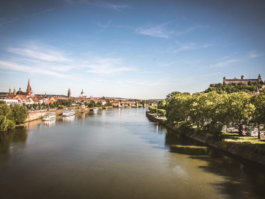 Auch auf dem Main sieht man häufig ein Kanu oder Kajak vorbeipaddeln. Foto: Pascal Höfig