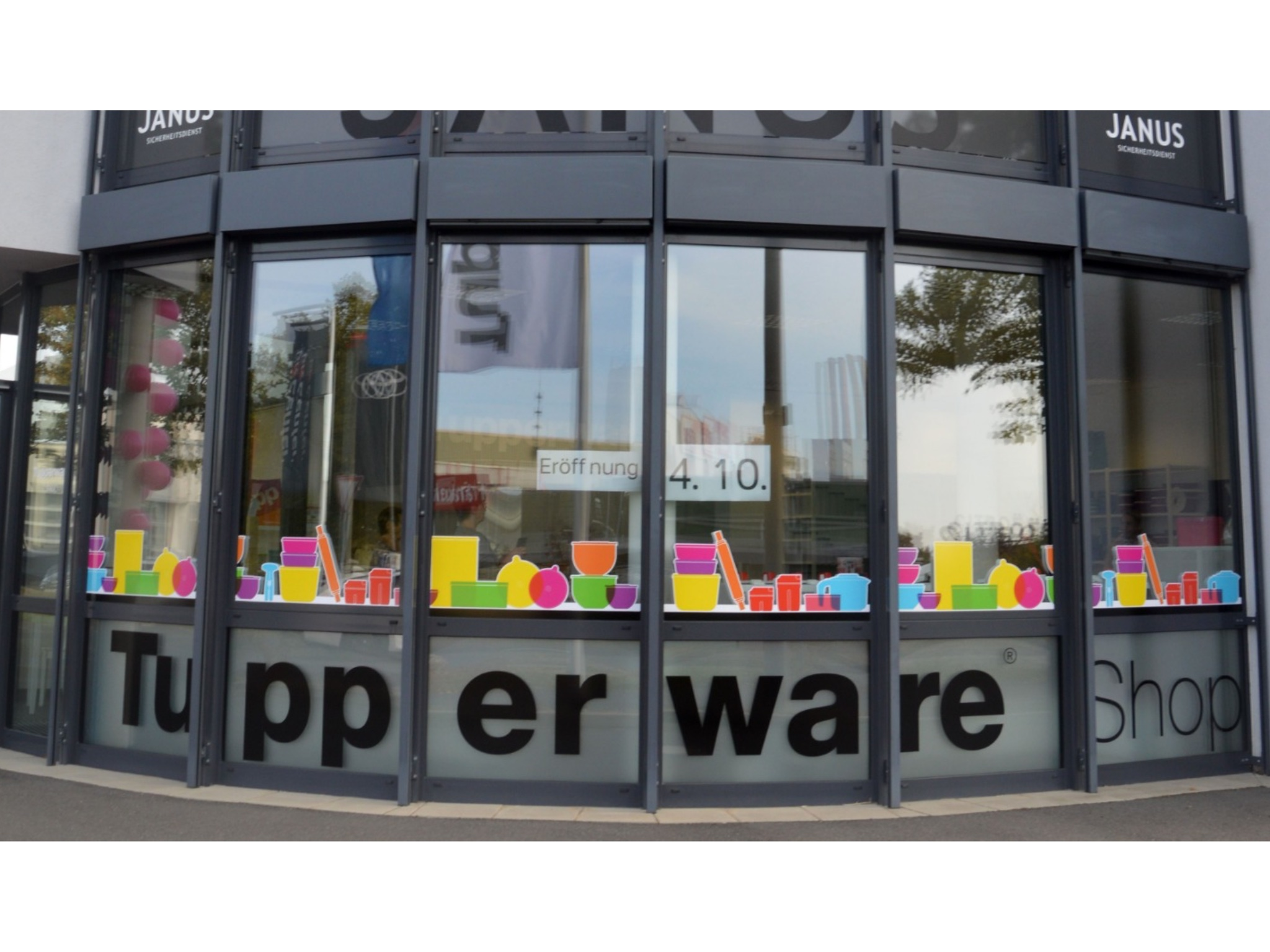 Der Tupperware-Shop in der Nürnberger Straße 123. Foto: Joachim Wenk