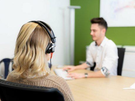 Kundenservice wird bei Anetzberger Hörgeräte großgeschrieben! Foto: Anetzberger Hörgeräte