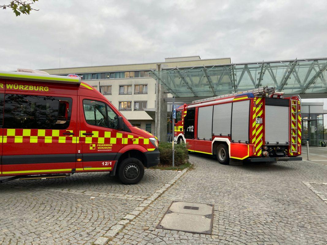 Brand im Forschungsbereich des Universitätsklinikums ZOM. Foto: Stadt Würzburg/ Amt für Zivil- und Brandschutz/ Berufsfeuerwehr