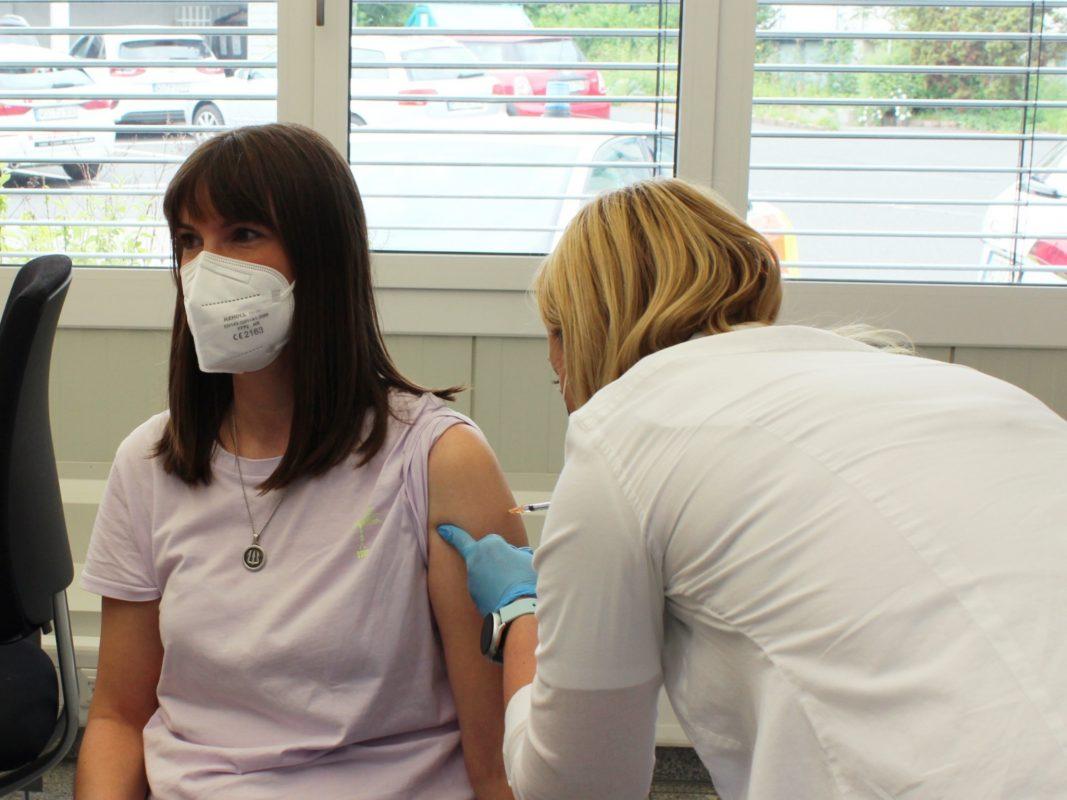 Am 3. und 4. September kann man sich im s.Oliver Outlet gegen Corona impfen lassen. Foto: s.Oliver
