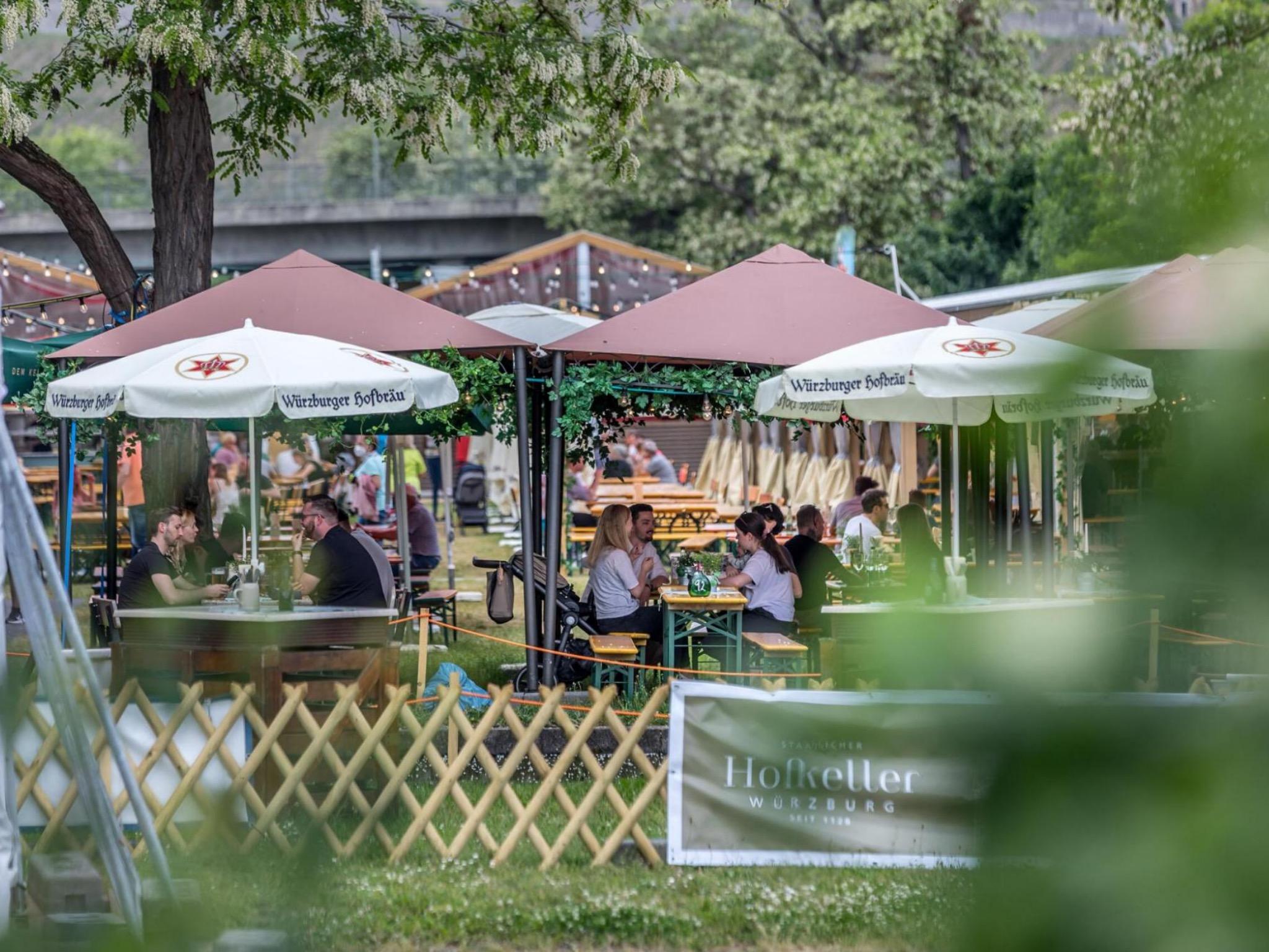 Der Sommergarten auf den Würzburger Mainwiesen ist für die Mainfranken-Messe zurück! Foto: Patty Varasano