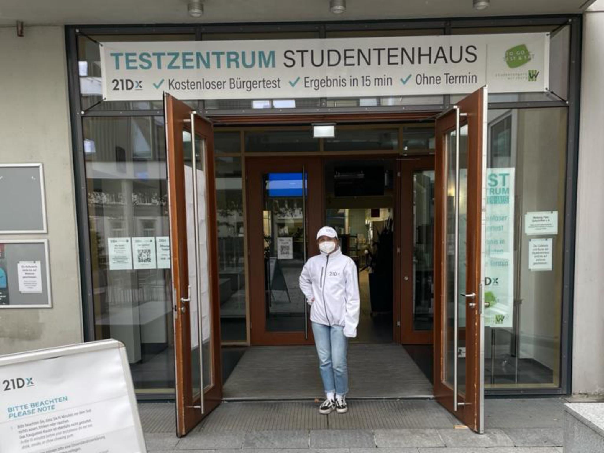 Eingang zum Testzentrum im Studentenhaus. Foto: Marvin Jeromin