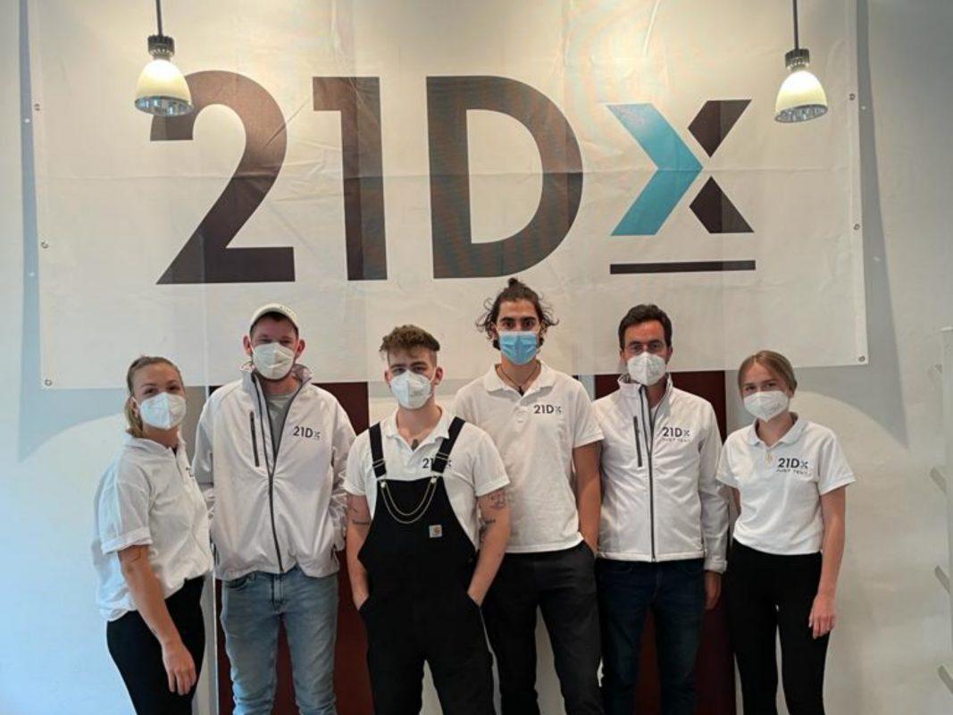 Das Team von links nach rechts: tina (admin), ich, Julius (admin), Linus (Teamlead), Julian (Medi), Lisa (Teamlead). Foto: Marvin Jeromin