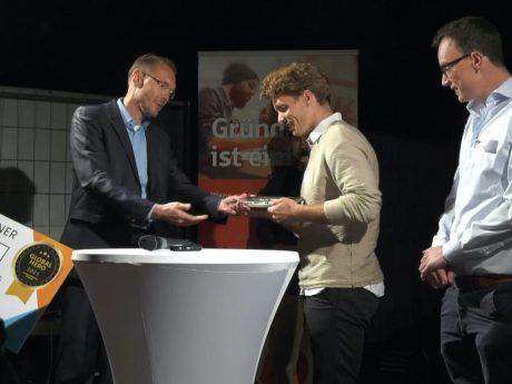 """Das Team von """"WeSort.AI"""" wurde mit dem Würzburger Start-Up-Preis ausgezeichnet. Foto: Screenshot Video, Würzburg AG"""
